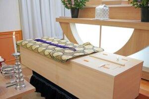 葬儀費用は誰が負担する?